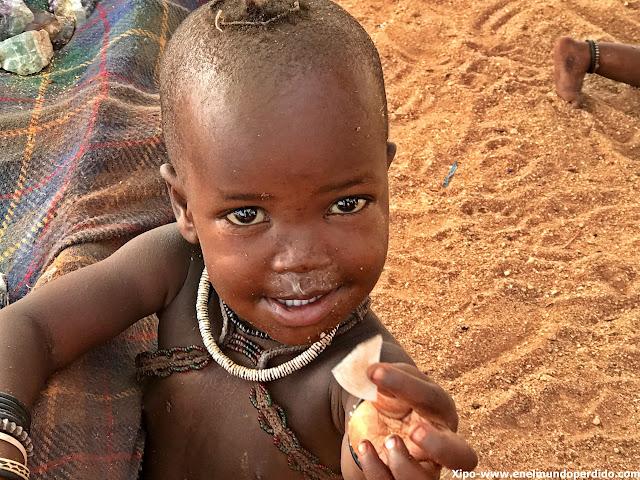 niño-himba-namibia.JPG
