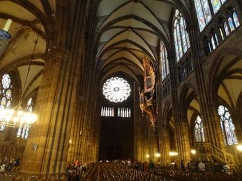 2017.08.22-030 nef de la cathédrale