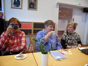 Photo: Tee oli erittäin hyvää. Rekolalaiset eivät juo kahvia kokoontumisissaan.