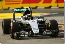 Nico Rosberg ha conquistato la pole del gran premio di Singapore 2016