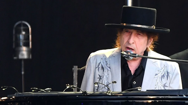KA-CHING! Anti-Establishment Singer Bob Dylan To Sell Catalog For Upwards Of $300M