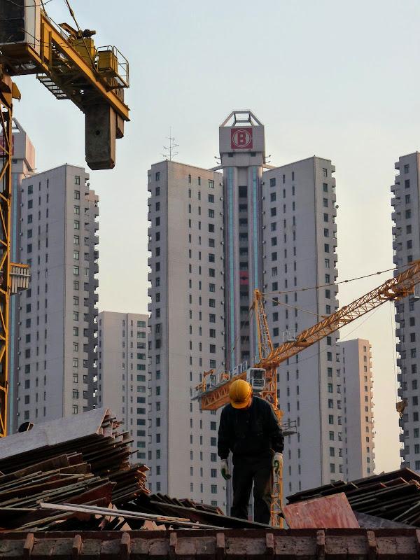 Shanghai,dans l'ex concession Française.Tout petit homme