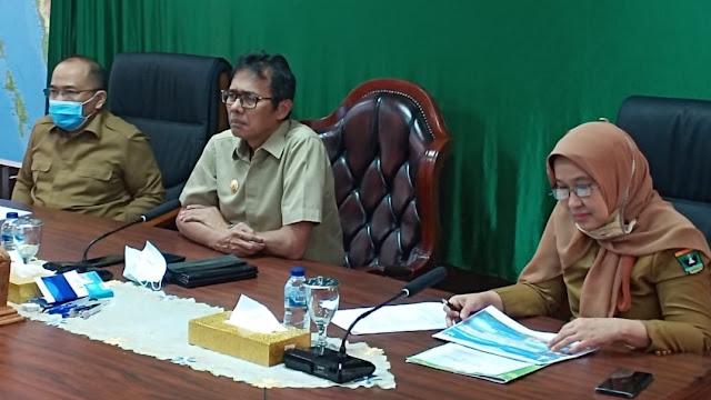Foto: Gubernur Irwan Prayitno. Penertiban Keramba di Danau, yang Menghalangi Akan Ditindak Keras.