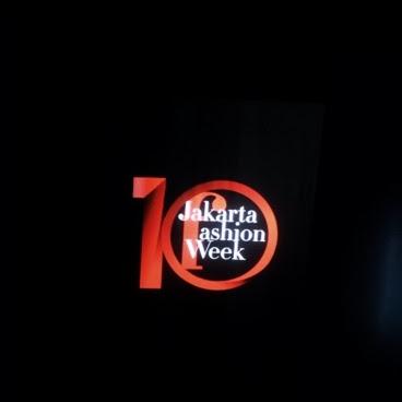 Oleh - Oleh dari Jakarta Fashion Week 2018 : Dear Woman, Ltru x MiceCartoon