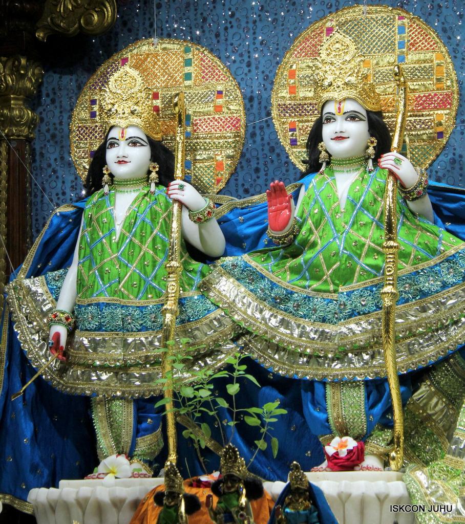 ISKCON Juhu Mangal Deity Darshan on 5th Sep 2016 (5)