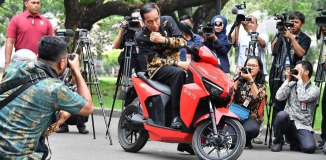 Polisi Tangkap Pemenang Lelang Motor Listrik Presiden Jokowi