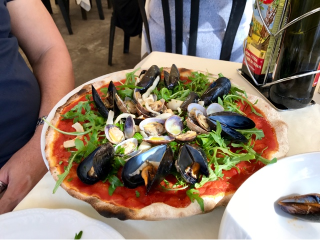 Pizza allo Scoglio - pizza with mussels, clams and squid