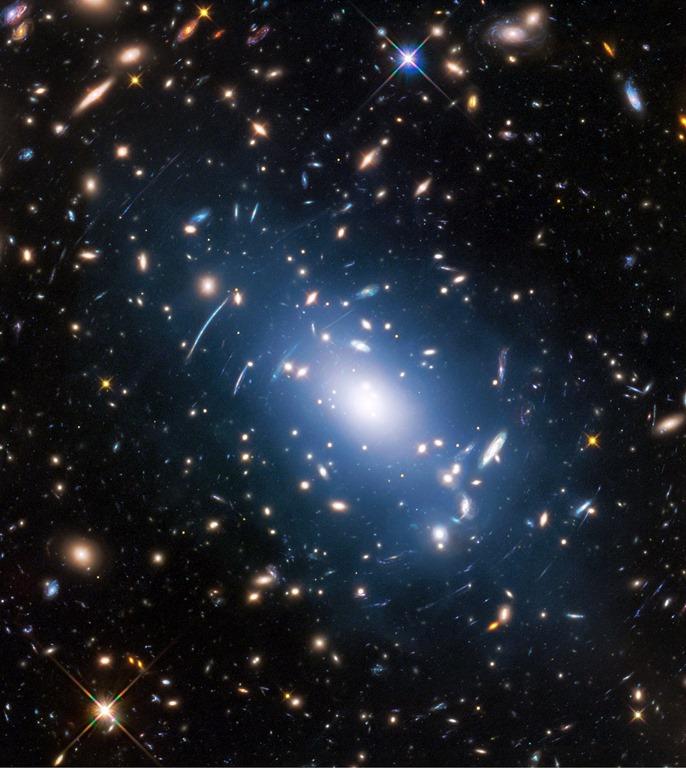 [luz+intra-aglomerado+em+Abell+S1063%5B4%5D]