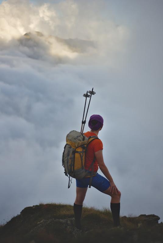 Cu marea de nori la picioare si cu cateva minute inainte de a fi din nou invaluiti de ceata.