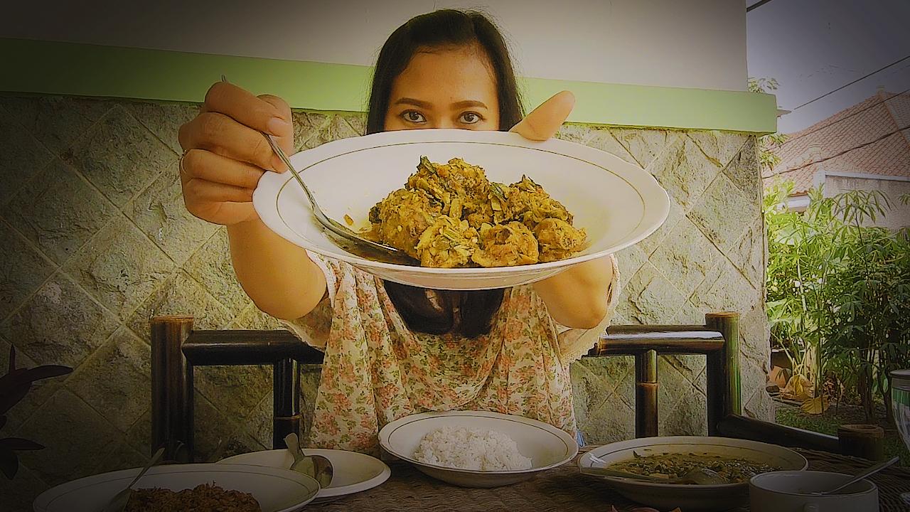 Yumam Bubur Manado Ayam Woku Cakalang Fufu Sambal Roa Dabu Dabu