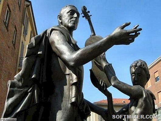 cremona_002_monumento_a_stradivari