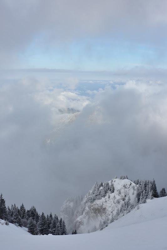 Fereastra dintre nori.