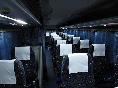 南海バス「サザンクロス」長岡・三条線 ・110 車内