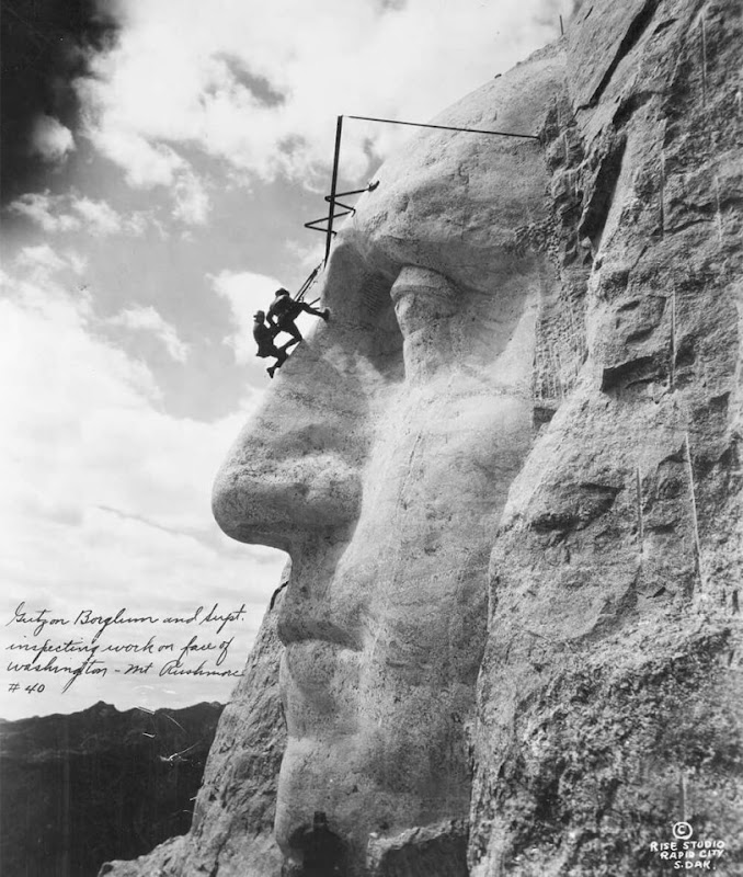 Mount Rushmore of USA being built in 1932