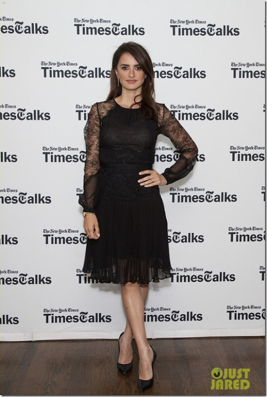 penelope-cruz-is-all-about-ma-ma-in-nyc-11