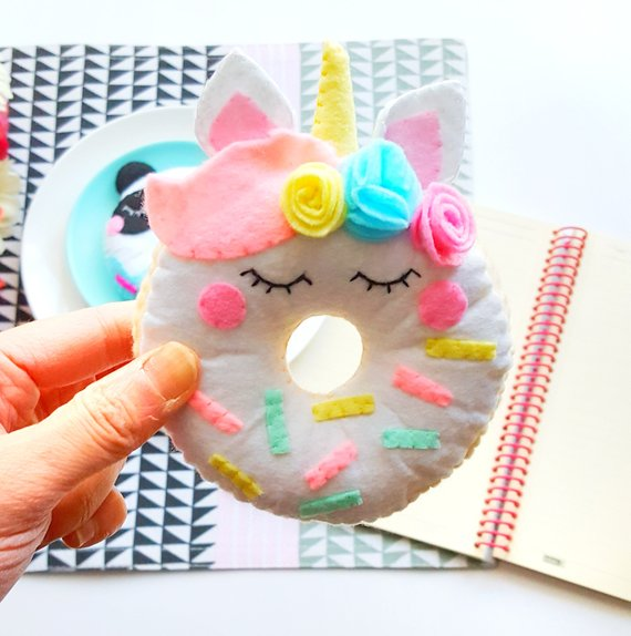 BEAUTIFUL DONUTS DIY DECORS FOR AMAZING LOOK 2