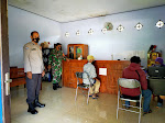 Babinsa Donomulyo Siap Mengawal Pendistribusian BLT