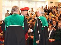 19 A Debreceni Egyetem bronzplakettjének átadása.jpg