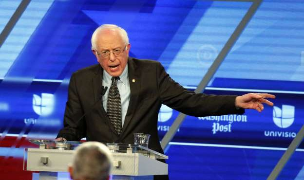 Clinton and Sanders promise to bring in more immigrants