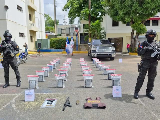 BAHORUCO: DNCD ocupa 168 paquetes de cocaína; hay 7 apresados