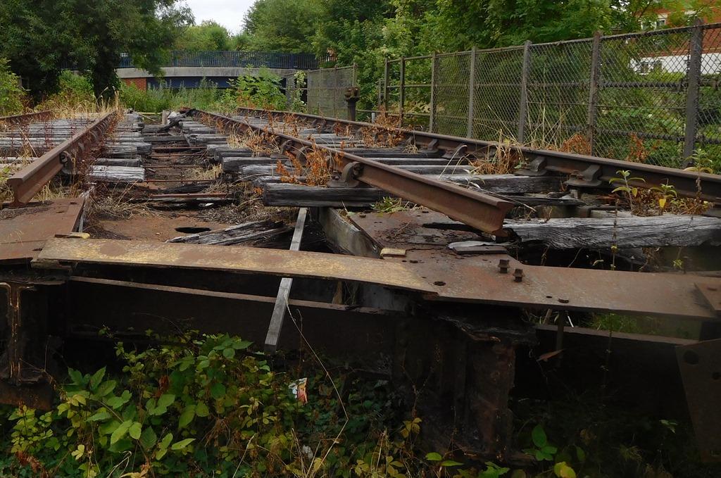 [3-derelict-rail-swing-bridge5]