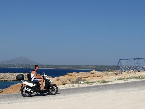 skuter na wybrzeżu wyspy kos