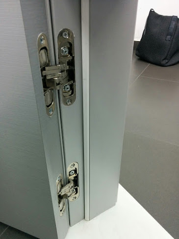 """""""דלתות"""