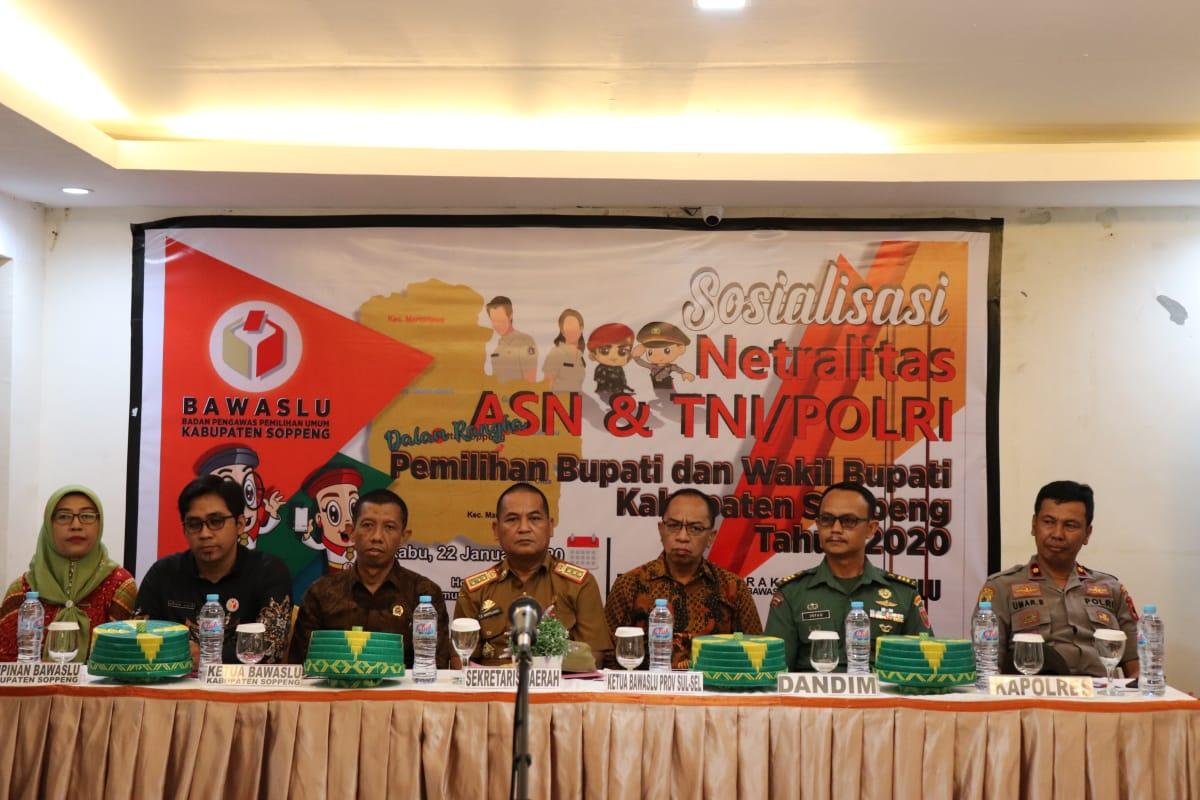 Jelang Pilkada Serentak 2020 Bawaslu Gelar Sosialisasi Netralitas PNS dan  TNI / Polri di Soppeng