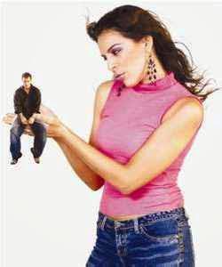 Las mujeres controladoras y posesivas son dañiñas para una relacion