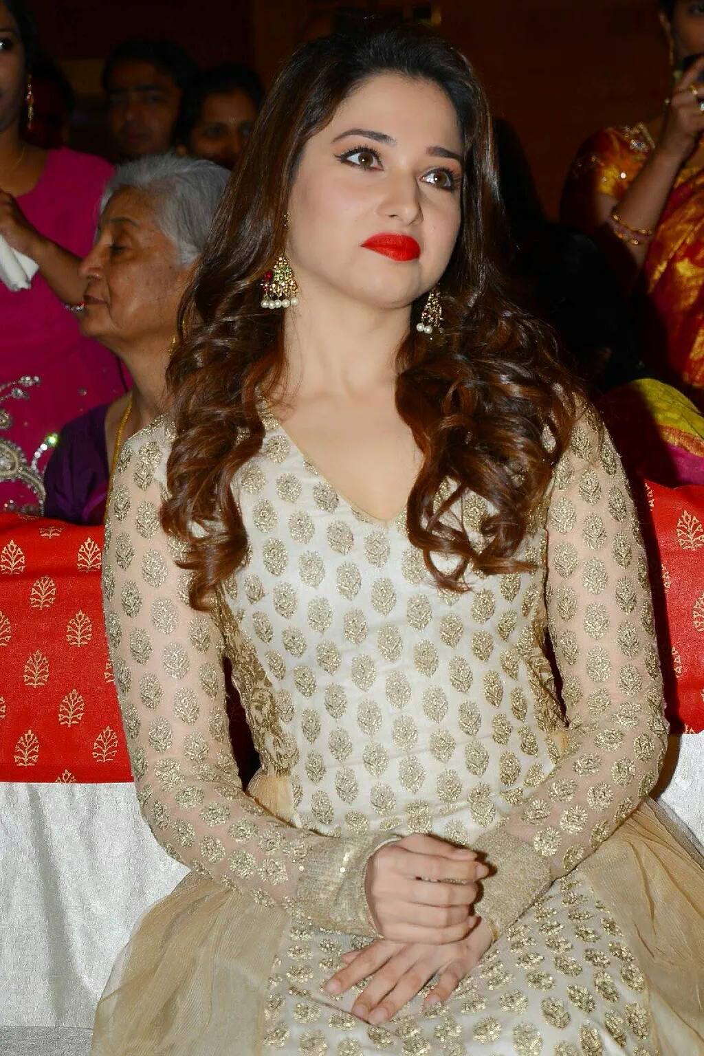 Tamanna Lips: Cine Actor Surya,cute Actress Stills Gallery: Ayan Movie