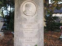 Kovács Sebestény Endre, az ipolysági kórház alapítójának sírhelye.jpg