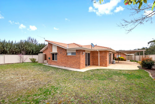 Photo of property at 12 Braddon Place, Gordon 2906
