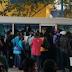 Cientos de haitianos abarrotan paradas de autobuses para viajar a pueblos del centro de RD