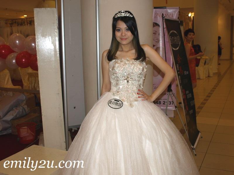 wedding gown babe