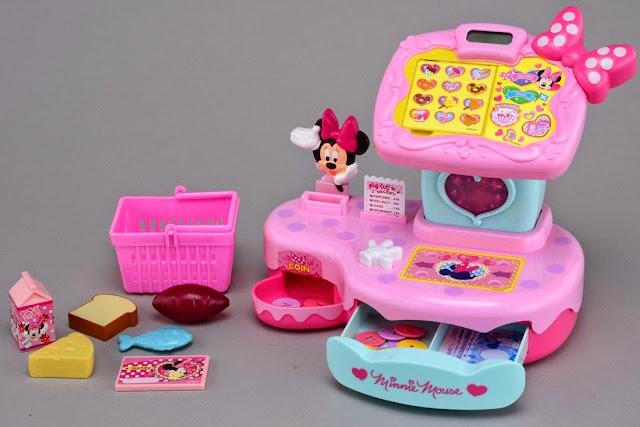 Hình ảnh chiếc Máy tính tiền siêu thị với chiếc nơ hồng