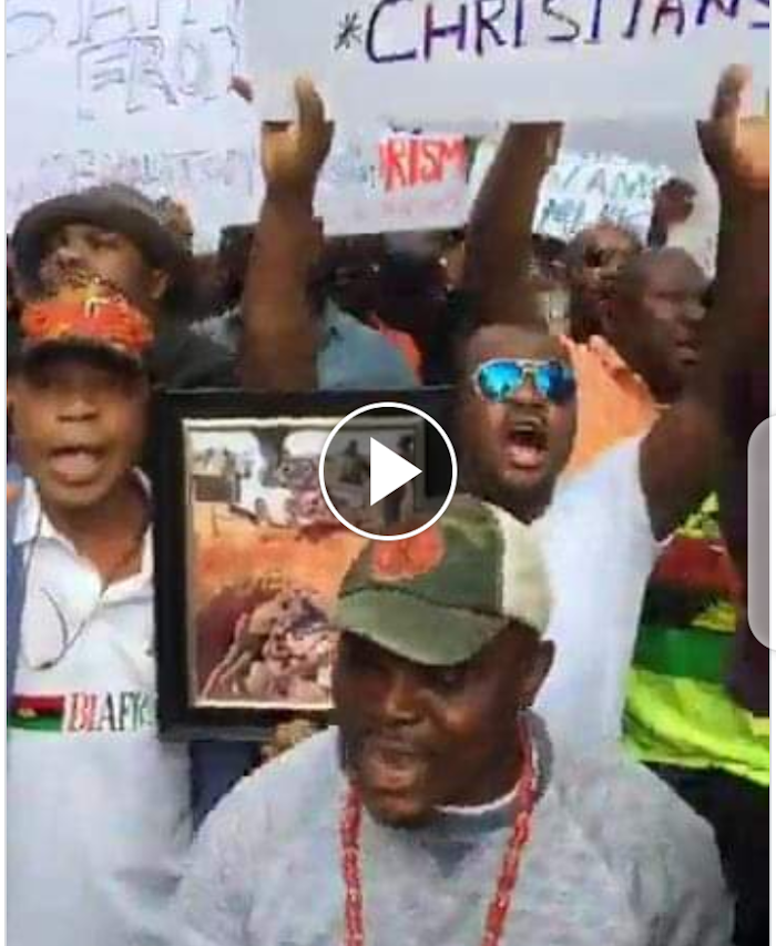 Video/Photos: Angry IPOB demostrated As Almighty Protest Rocks United Nation Against Buhari in New York