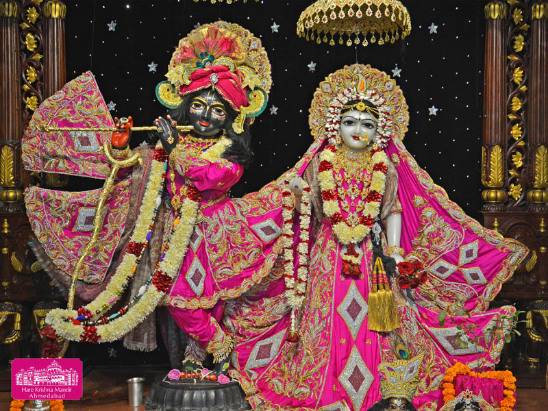 ISKCON Hare Krishna mandir Ahmedabad 04 Jan 2017 (1)