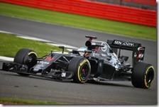 Fenando Alonso nei test di Silverstone 2016