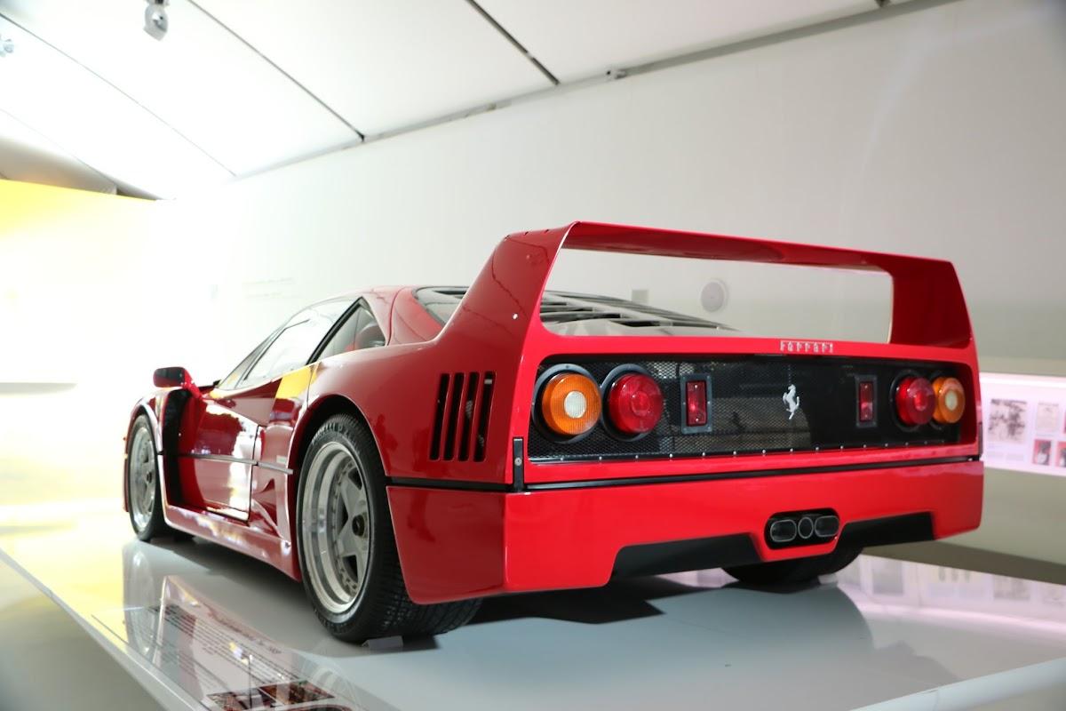 Modena - Enzo Museum 0018 - Ferrari F40.jpg