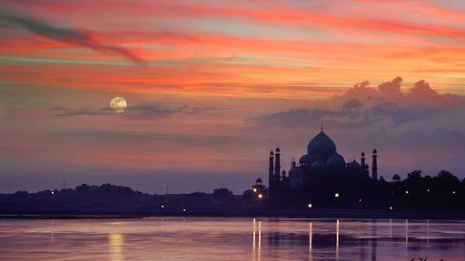 Sunset at Taj Mahal, Agra, Uttar Pradesh, India.jpg