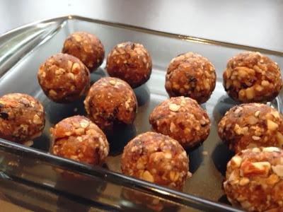 dadelkugler med abrikos og lakrids