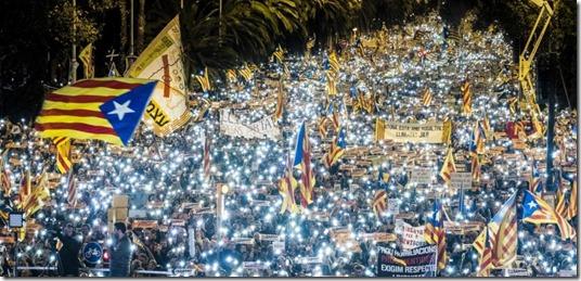 Catalonia -una-imatge-de-la-manifestacio-daquest-11n-al-carrer-marina