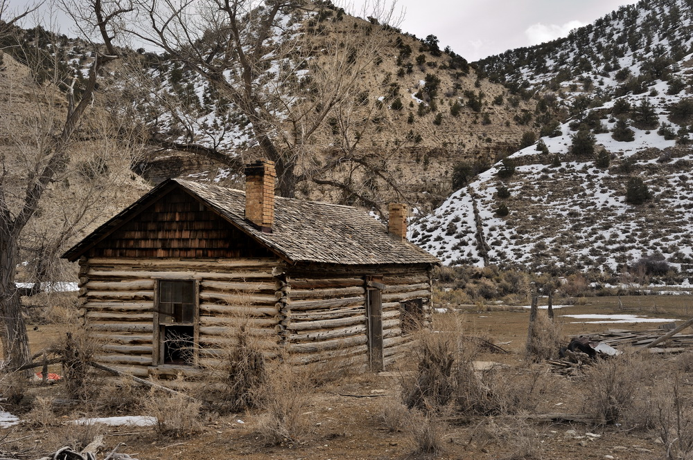 Photography of lowell harris abandoned log cabin for Utah log cabins