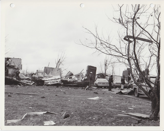 1976 Tornado photos collection - 19.tif