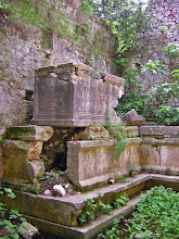 Photo: Mausoleum, known as Lyciarch Grave. Same measurements of approx. 2.5 x 1.10 m ********** Mausoleum, beter bekend als het Lyciarchis Graf. Zelfde afmeting als de andere, nl 2,5 x 1,1 meter.