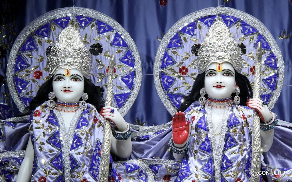 ISKCON Juhu Mangal Deity Darshan on 11th Aug 2016 (10)