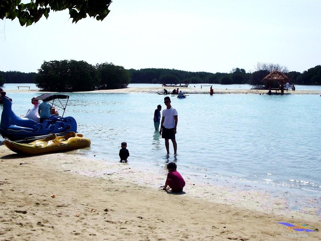 family trip pulau pari 090716 Fuji 060
