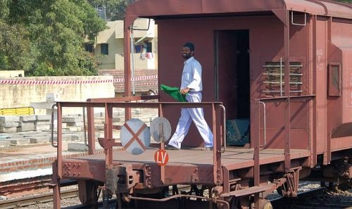 goods-guard-indian-railways