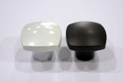 裝潢五金品名:Z693-取手規格:單孔顏色:珍珠白/珍珠黑玖品五金