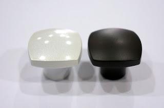 裝潢五金 品名:Z693-取手 規格:單孔 顏色:珍珠白/珍珠黑 玖品五金